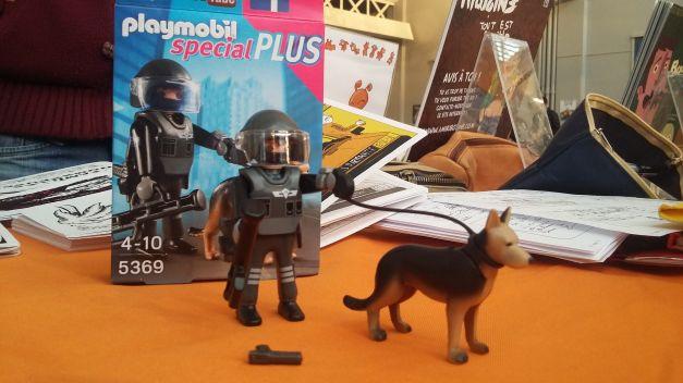 Playmobil policier flic 01