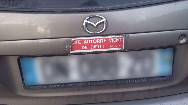 autocollant de voiture Tout autorité vient de dieu 02